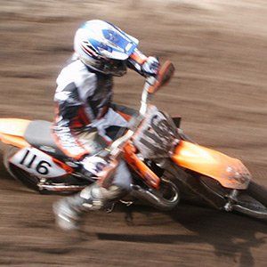 Extrémní motorky hra online